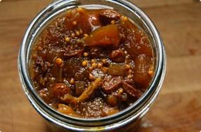 Homemade Spiced Apple Chutney